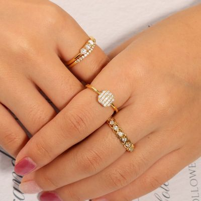 Round Cut Stone Ring Set
